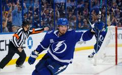 Tampa Bay Lightning dominates the Boston Bruins in season series finale