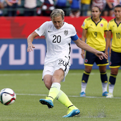 Abby Wambach says ref purposefully gave USWNT yellow cards for