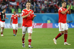 Report Juventus ups its offer for Aleksandr Golovin once again