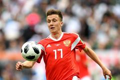 Aleksandr Golovin responds to Barcelona rumors