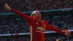 RUMOURS Lingard in contract standoff with Manchester United