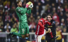 Atletico keeper Oblak out with dislocated shoulder