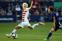 Megan Rapinoe out for Chile friendlies with rib injury