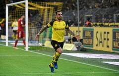 Borussia Dortmund to announce Paco Alcacer transfer on Sunday