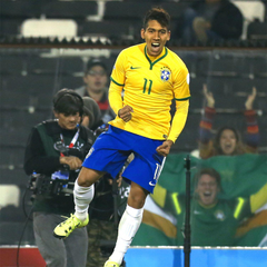 Roberto Firmino chooses Liverpool over Man United in transfer move