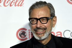 Jeff Goldblum can t say no to dinosaurs will appear in Jurassic