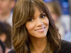 Gorgeous HD Halle Berry Wallpapers