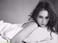 Jennifer Love Hewitt HD Wallpapers