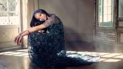 Actress Zoe Saldana Wallpapers