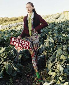 Kris Grikaite Sara Grace Wallerstedt Pose In No Man s Land Lensed