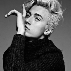 LUCKY BLUE SMITH JUSTIN BIEBER HONORED BY MODELS COM
