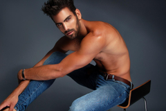 Reasons in Gifs To Love Hunky Sexually Fluid Nyle DiMarco