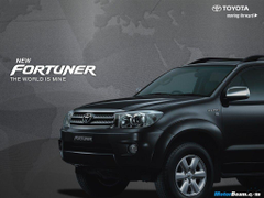 Toyota Fortuner Black wallpapers