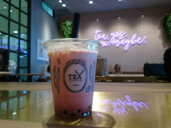 strawberry and strawberry juice bubble tea