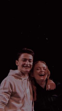Sadie sink and Noah scnapp