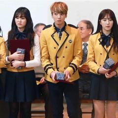 idols being classmates