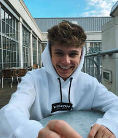 image about HRVY