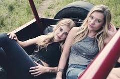 Wagon Maddie and tae
